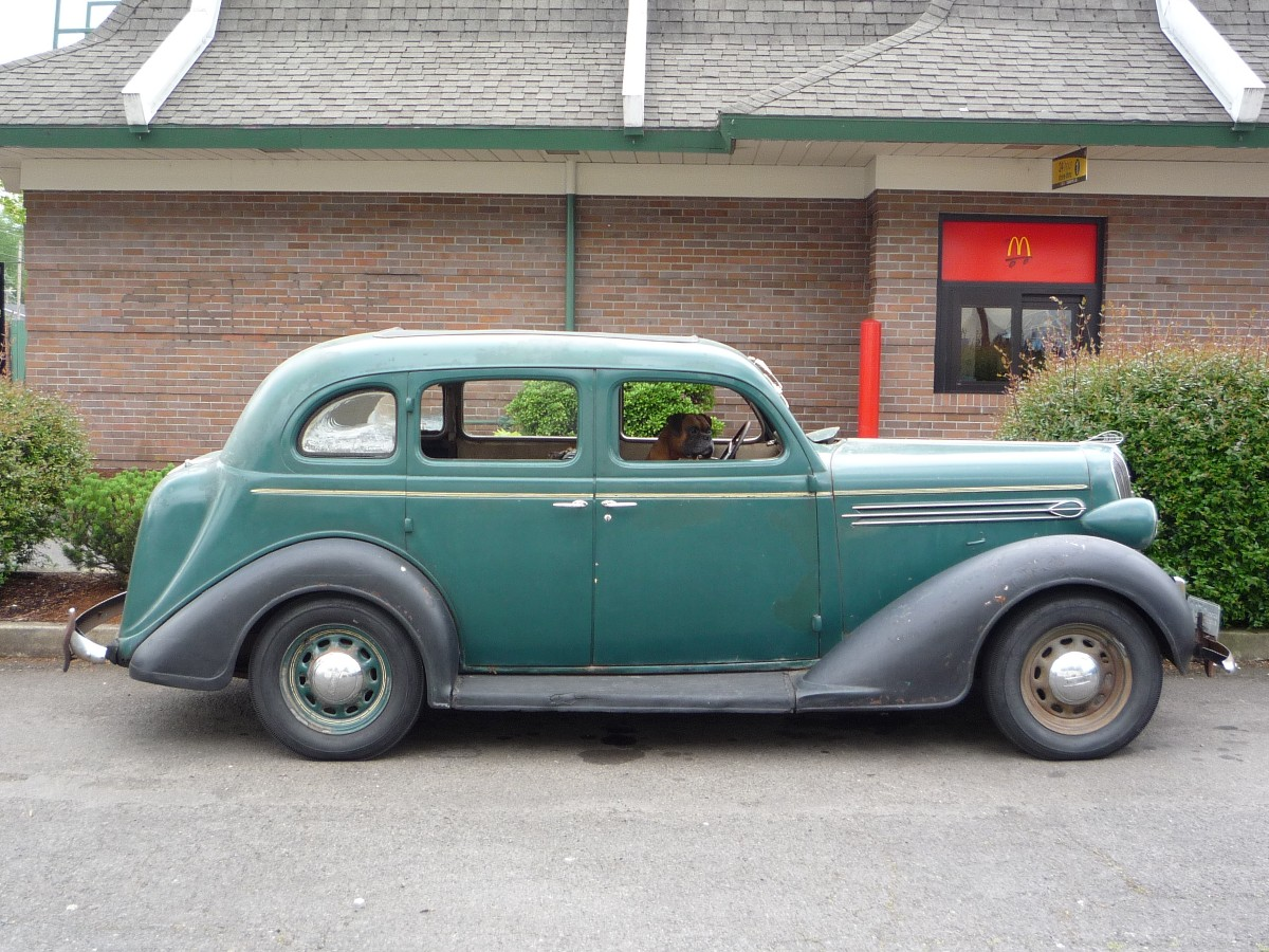 Curbside classics review 1936 plymouth for 1936 plymouth 4 door
