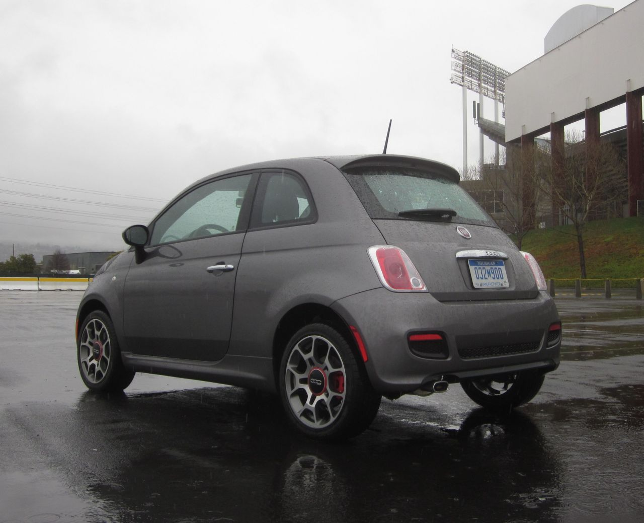 review 2012 fiat 500 sport the truth about cars. Black Bedroom Furniture Sets. Home Design Ideas