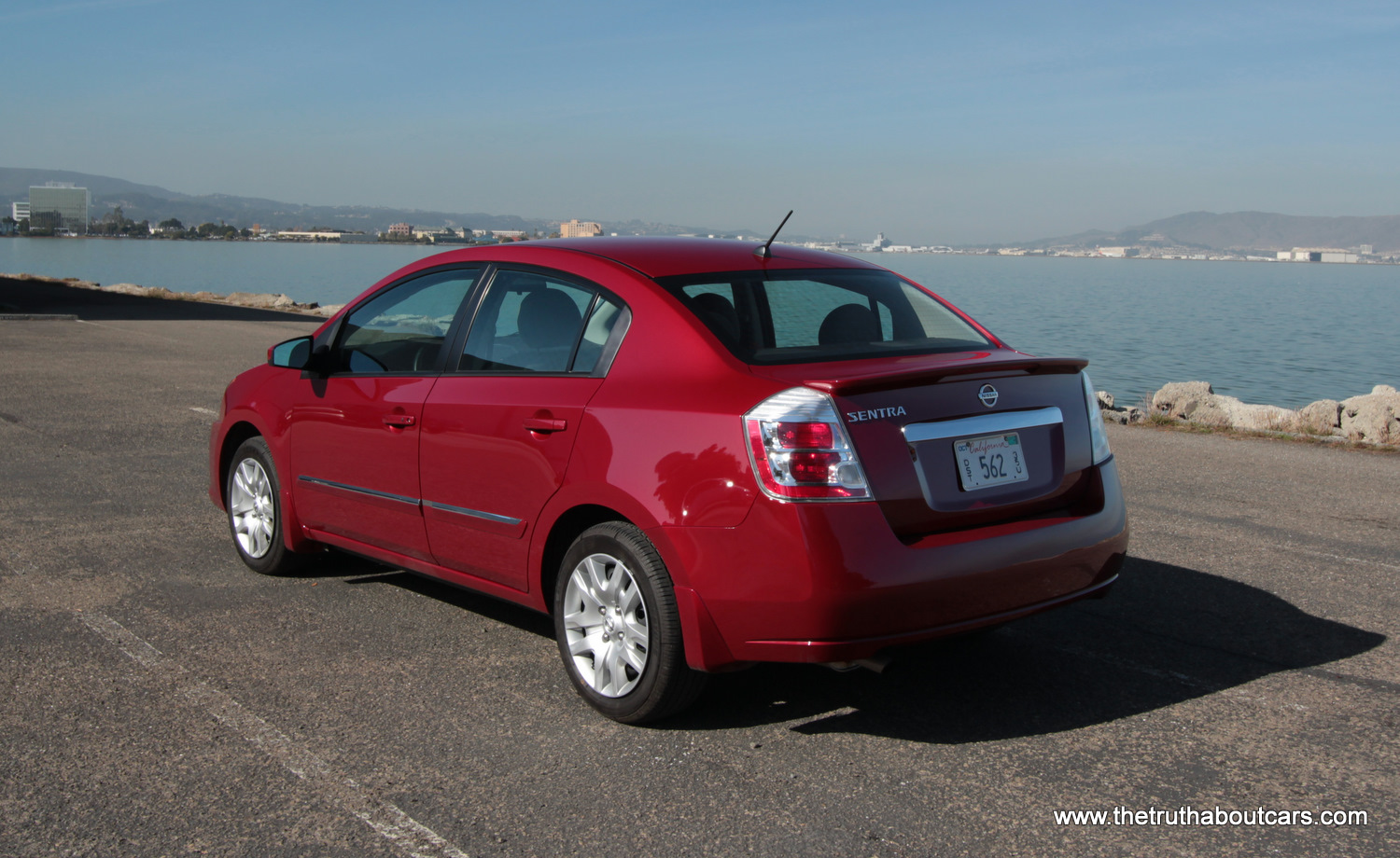 Review: 2012 Nissan Versa vs 2012 Nissan Sentra - The ...