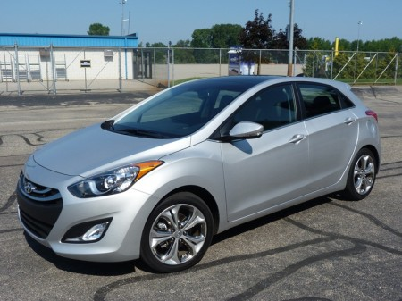 Elantra GT front quarter, photo courtesy Michael Karesh
