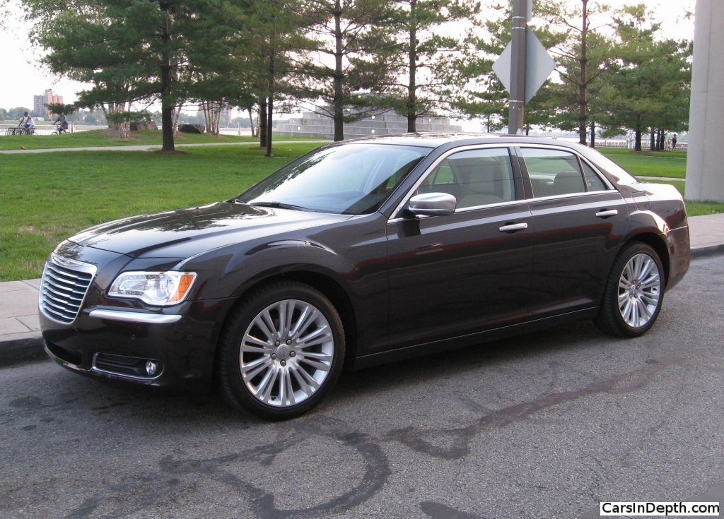 review 2012 chrysler 300 luxury series the truth about cars. Black Bedroom Furniture Sets. Home Design Ideas
