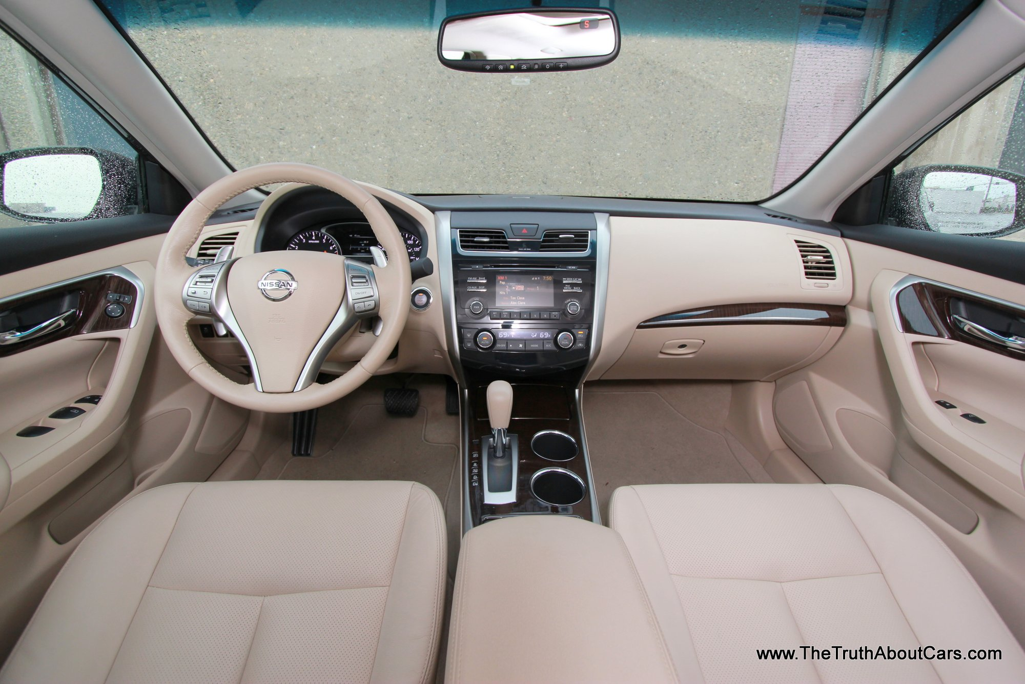 2013 Nissan Altima 3.5 SL, Interior, Dashboard, Picture Courtesy Of Alex L.  Dykes