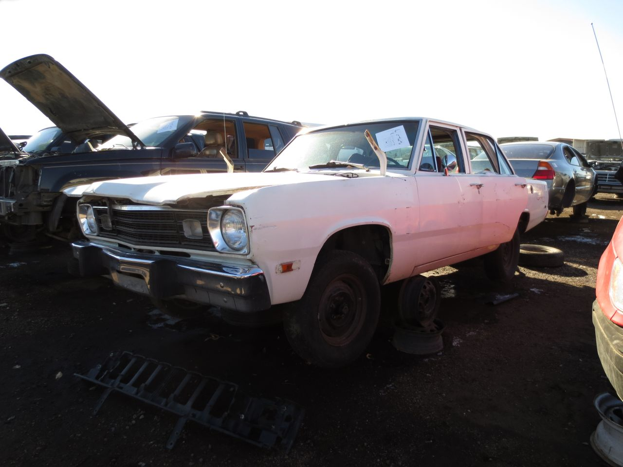 junkyard find 1973 plymouth valiant the truth about cars. Black Bedroom Furniture Sets. Home Design Ideas