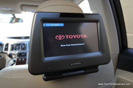 2013 Toyota Venza Limited, Interior, Rear Seat Entertainment, Picture Courtesy of Alex L. Dykes