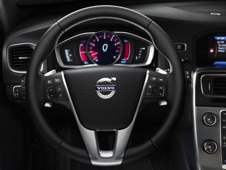 2014 Volvo S60, Interior, Gauges and steering wheel, Picture Courtesy of Teknikens Värld