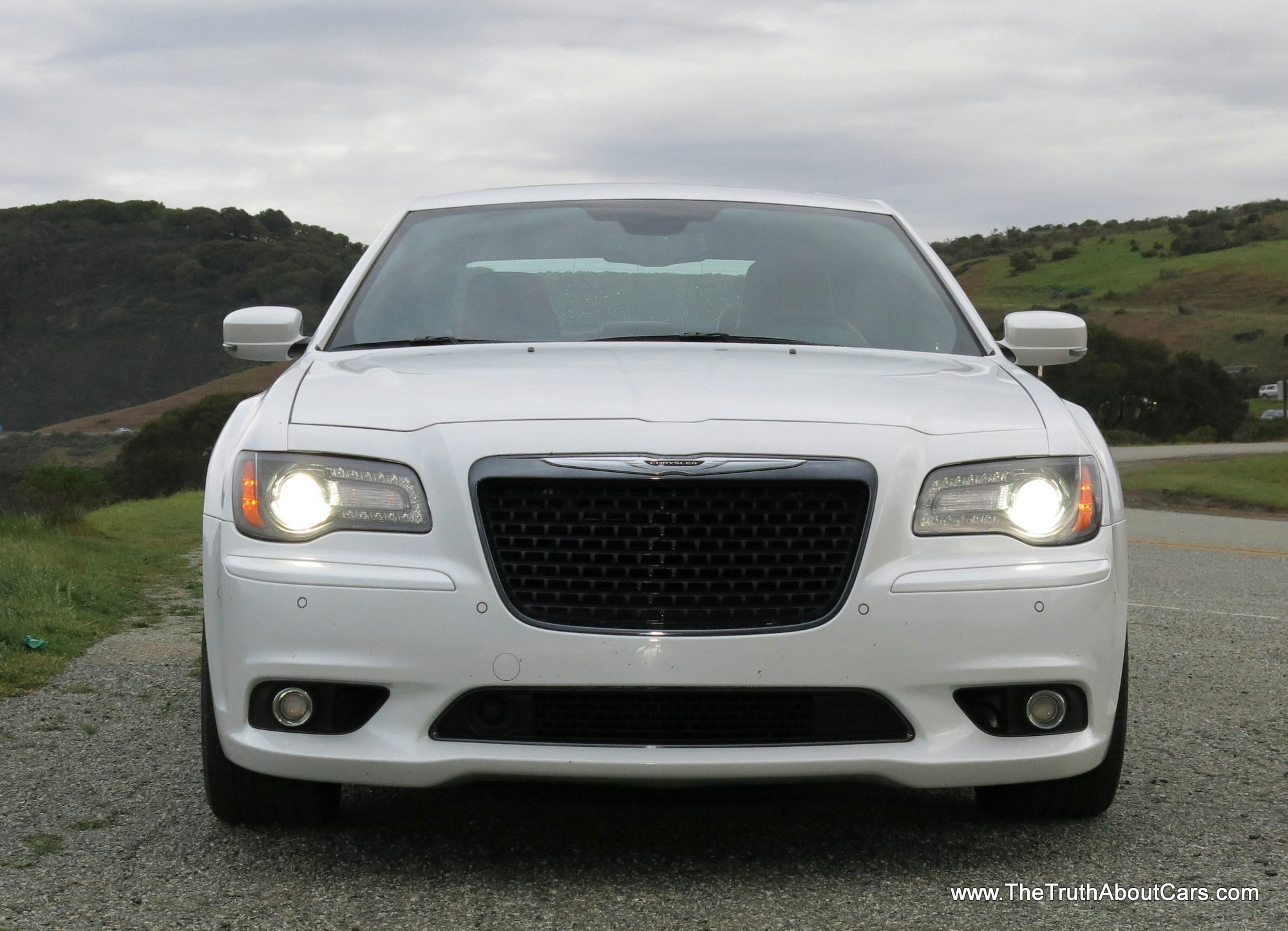 2013 chrysler 300 srt8 engine 470hp 6 4l 392 hemi picture courtesy. Cars Review. Best American Auto & Cars Review