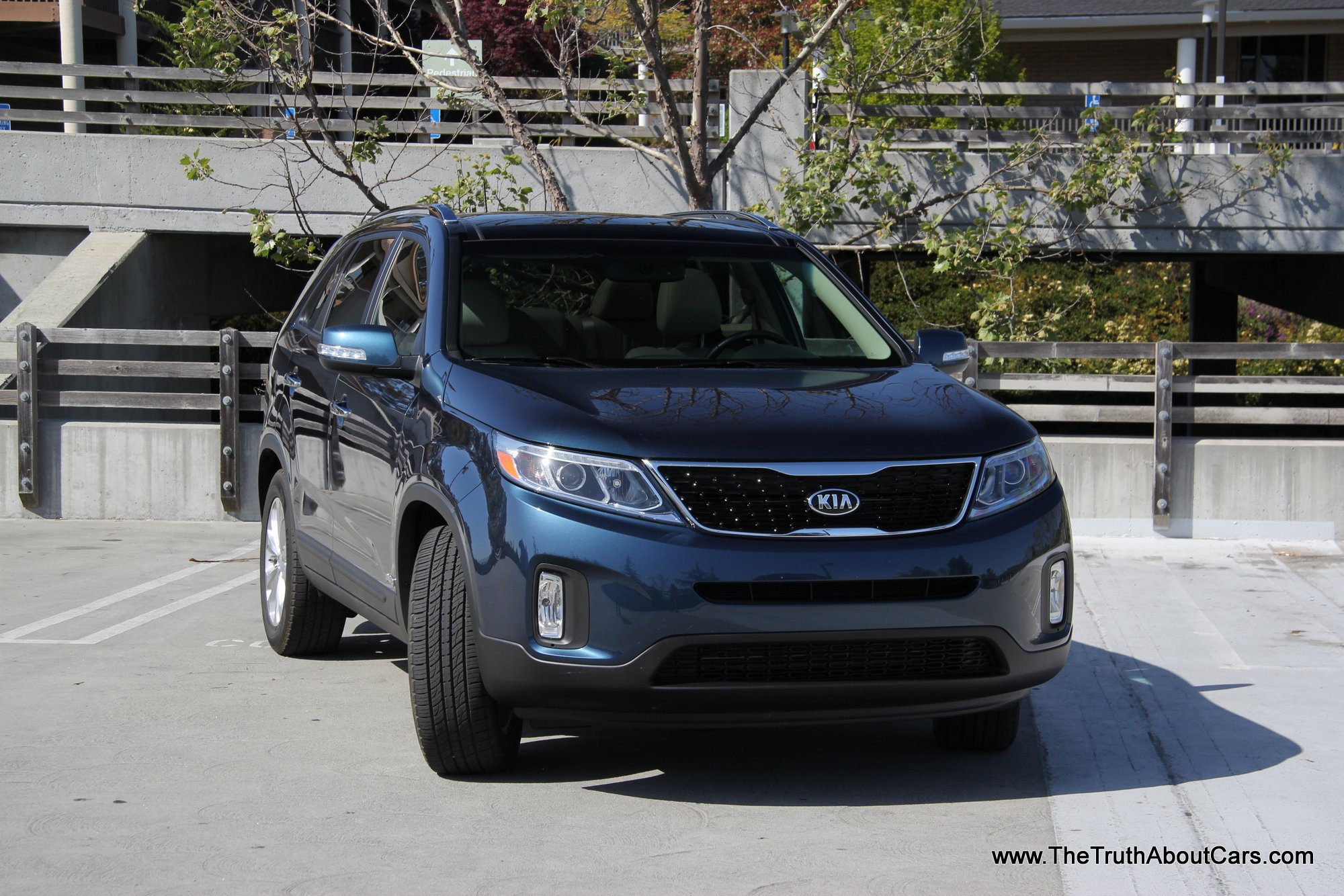 review 2014 kia sorento ex video the truth about cars. Black Bedroom Furniture Sets. Home Design Ideas