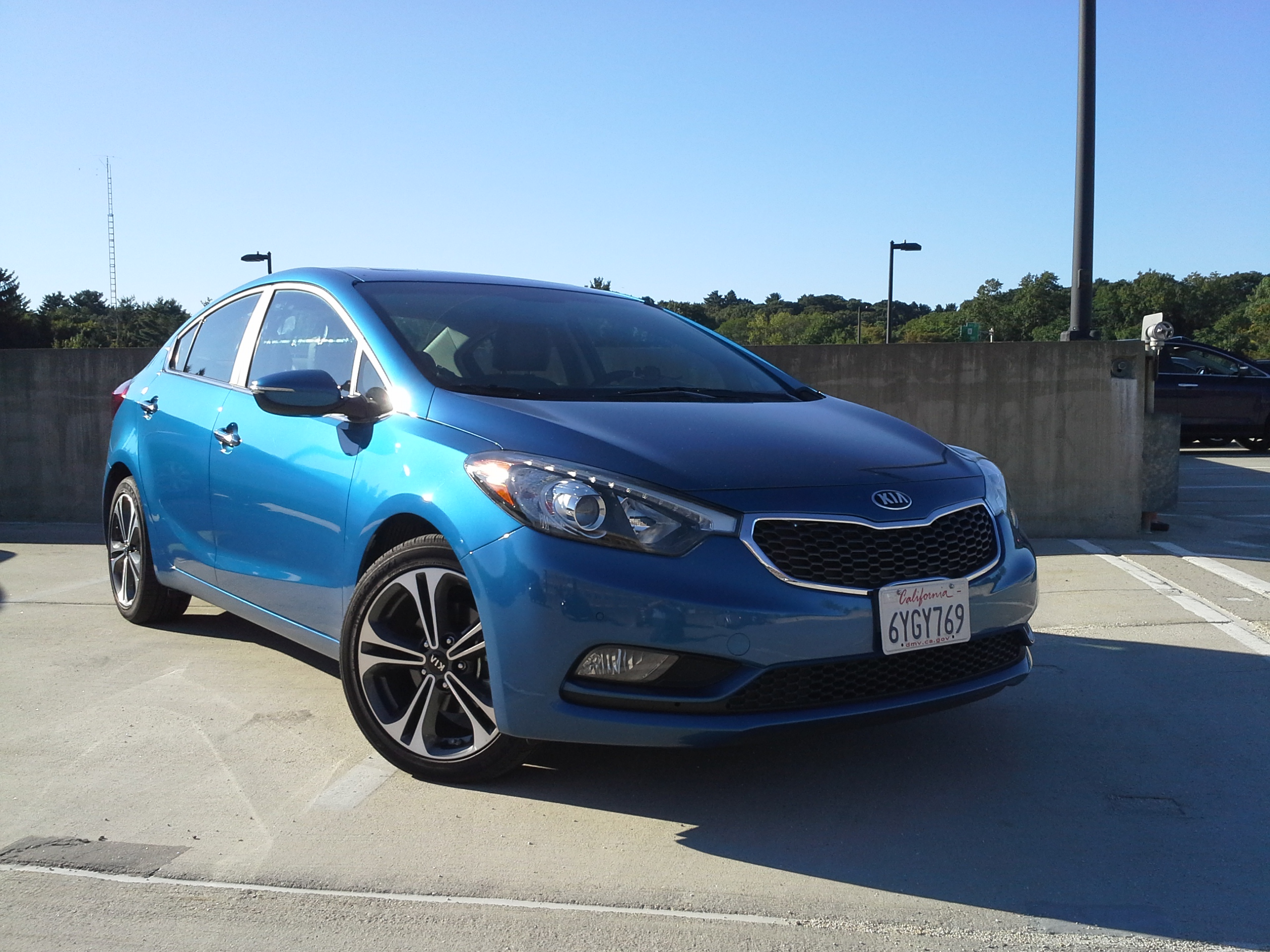 front new in kias kia autos unveiled fortune gets battery bigger thursday the with a plug unveils november niro on hybrid