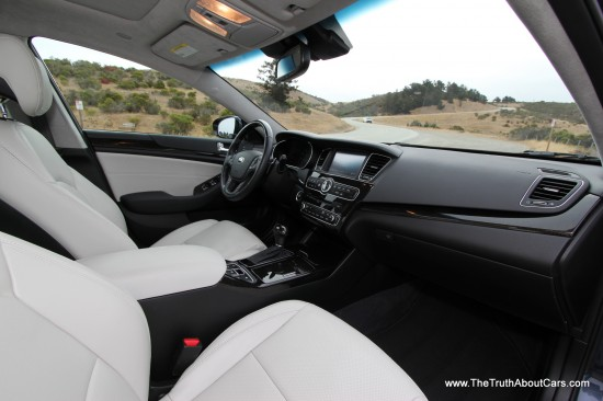 2014 Kia Cadenza Interior, Picture Courtesy of Alex L. Dykes