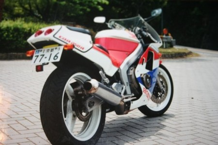 The bike I really learned to lane split on - my CBR250R