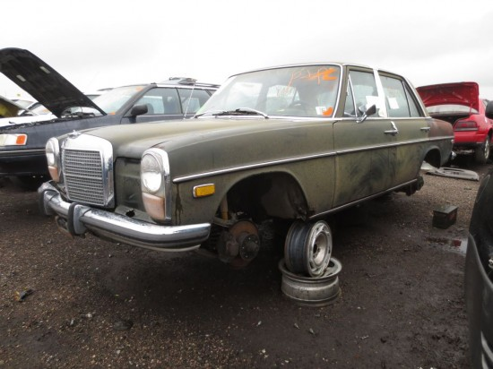 08 - 1973 Mercedes-Benz 220 Down On The Junkyard - Picture courtesy of Murilee Martin