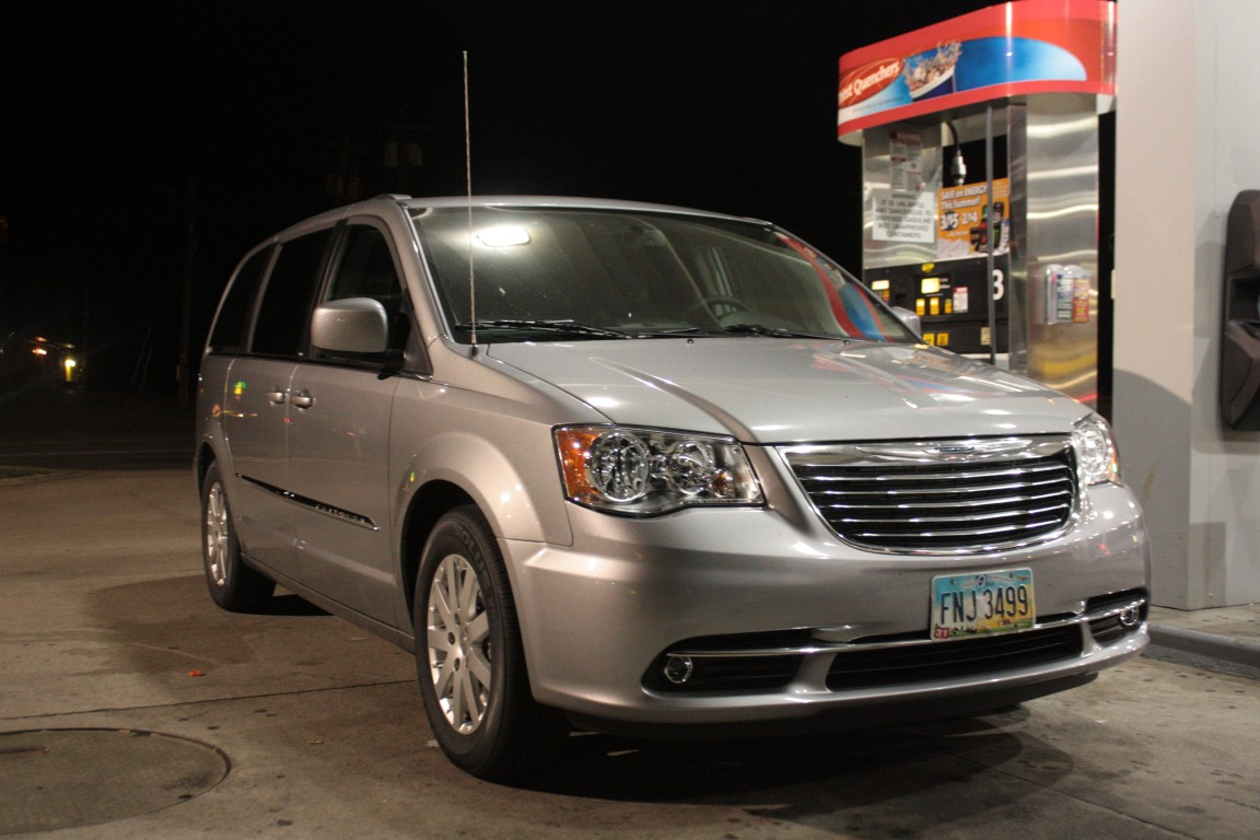 review 2014 chrysler town country touring the truth about cars. Black Bedroom Furniture Sets. Home Design Ideas