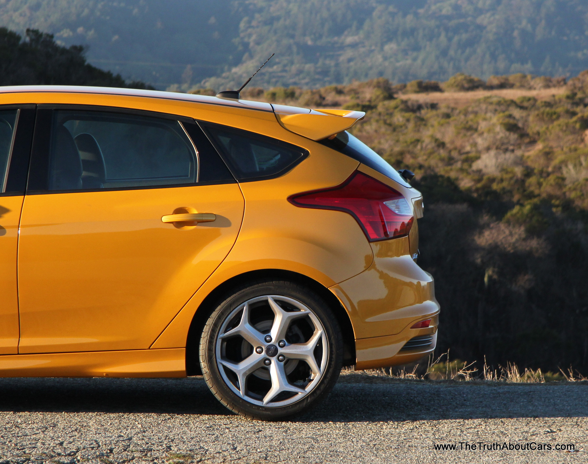 2014 ford focus st engine 002 the truth about cars. Black Bedroom Furniture Sets. Home Design Ideas