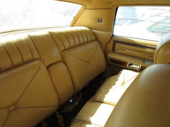 junkyard find 1976 lincoln continental town car the truth about cars. Black Bedroom Furniture Sets. Home Design Ideas