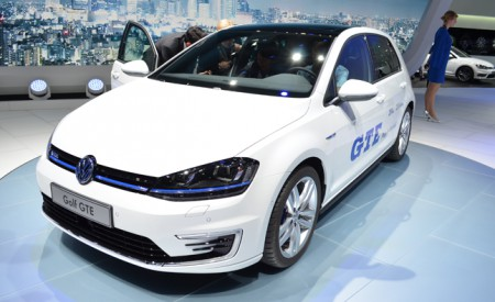 2014 VW Golf GTE 01