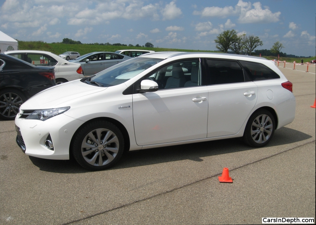 toyota corolla and auris comparo how much difference does irs make rh thetruthaboutcars com