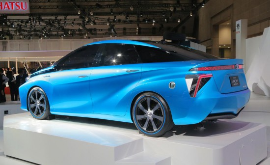Toyota Turns Away From Batteries  Toward Fuel Cells