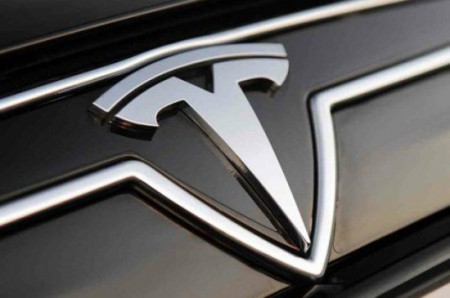 550x365xtesla-model-s-logo-550x365.jpg.pagespeed.ic.C2rTVvi0LG