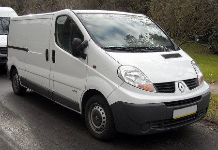 800px-Renault_Trafic_II_front_20080120