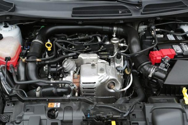 2014-Ford-Fiesta-Ecoboost-engine-2
