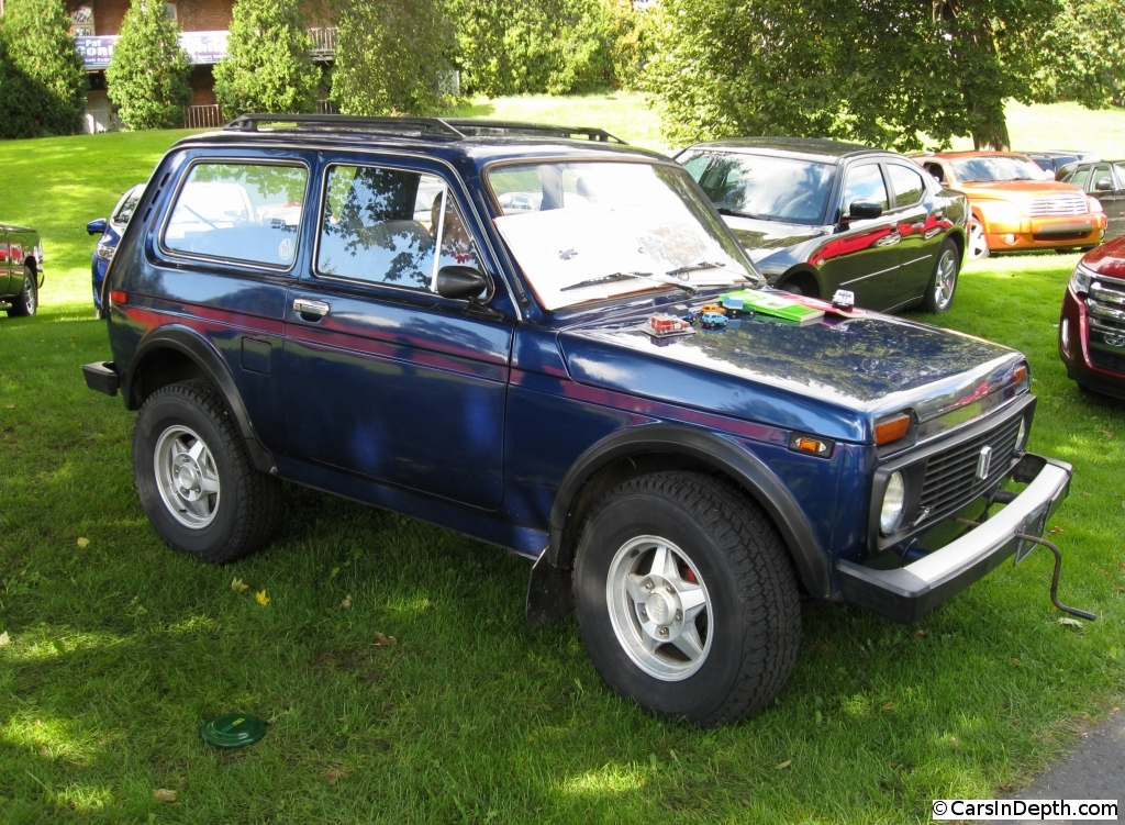 give that man starting his lada niva a big hand the. Black Bedroom Furniture Sets. Home Design Ideas