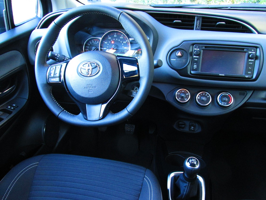 used detail yaris automatic toyota of liftback at le