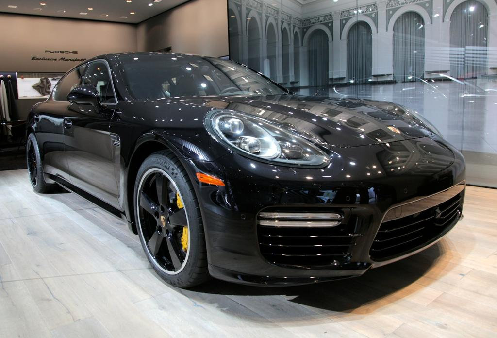 los angeles 2014 porsche panamera exclusive series debuts the truth about cars. Black Bedroom Furniture Sets. Home Design Ideas