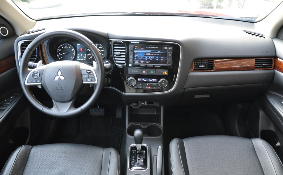 Capsule Review: 2015 Mitsubishi Outlander 3 0 GT S-AWC - The
