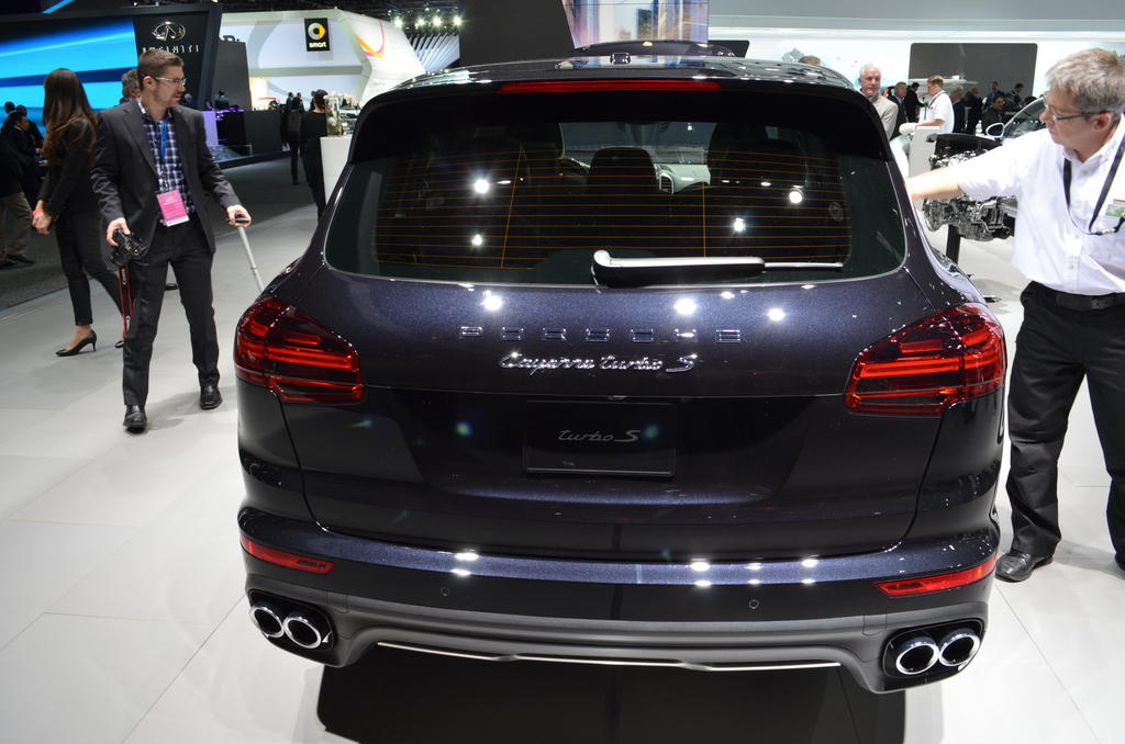 naias 2015 porsche debuts 911 targa 4 gts cayenne turbo s the truth about cars. Black Bedroom Furniture Sets. Home Design Ideas