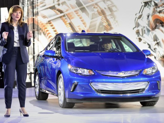 Mary Barra and Chevrolet Volt at NAIAS 2015
