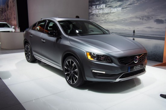 Volvo-S60-Cross-Country-Live-Photos-01-550x366