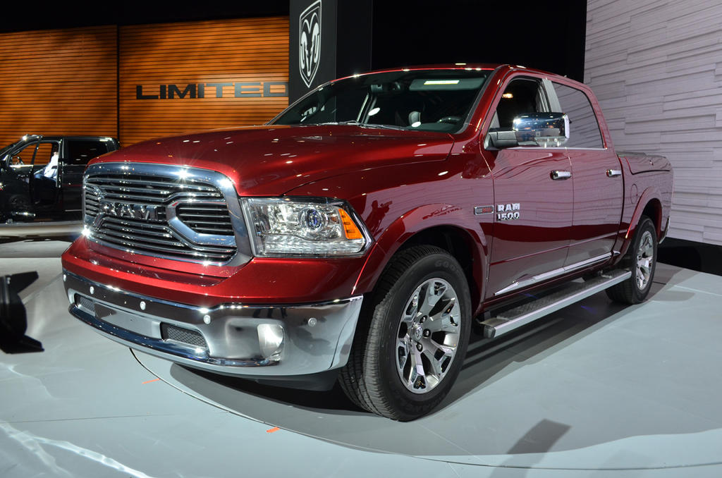 Chicago 2015: 2016 Ram Laramie Limited Sports Fancy Duds - The Truth About Cars
