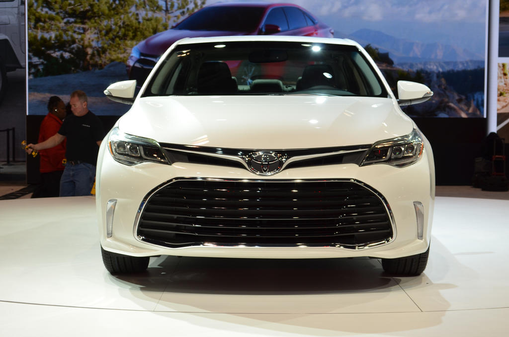 chicago 2015 2016 toyota avalon unveiled the truth about cars. Black Bedroom Furniture Sets. Home Design Ideas