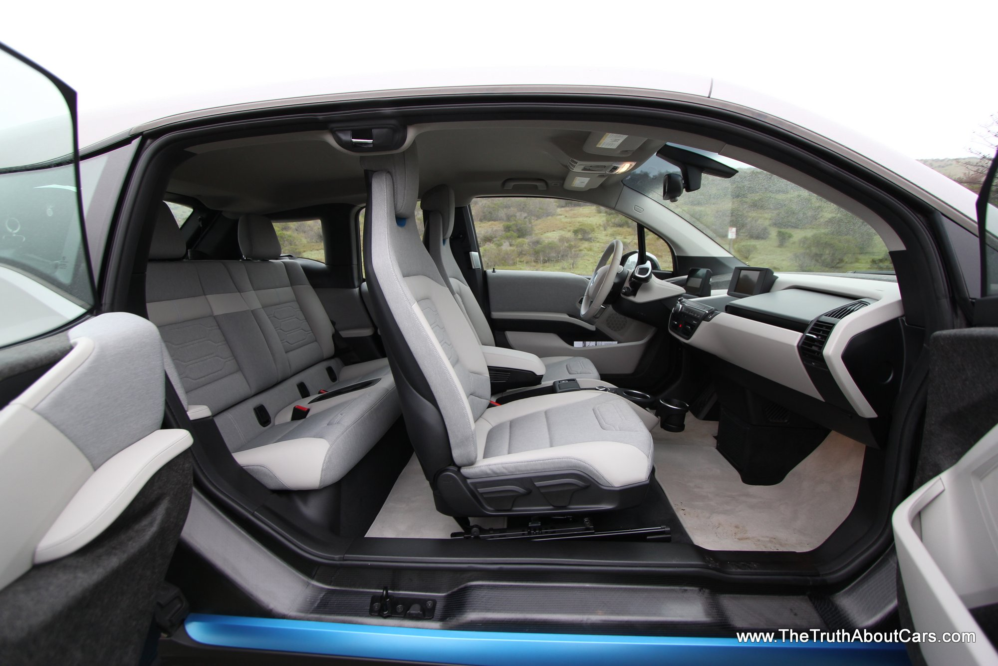 2015 bmw i3 range extender interior dashboard the truth about cars. Black Bedroom Furniture Sets. Home Design Ideas