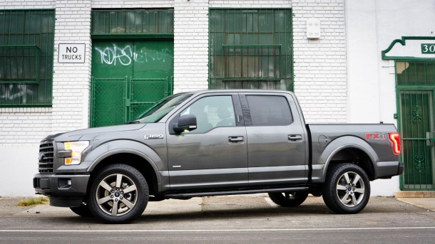 Ford F-150 grey, side