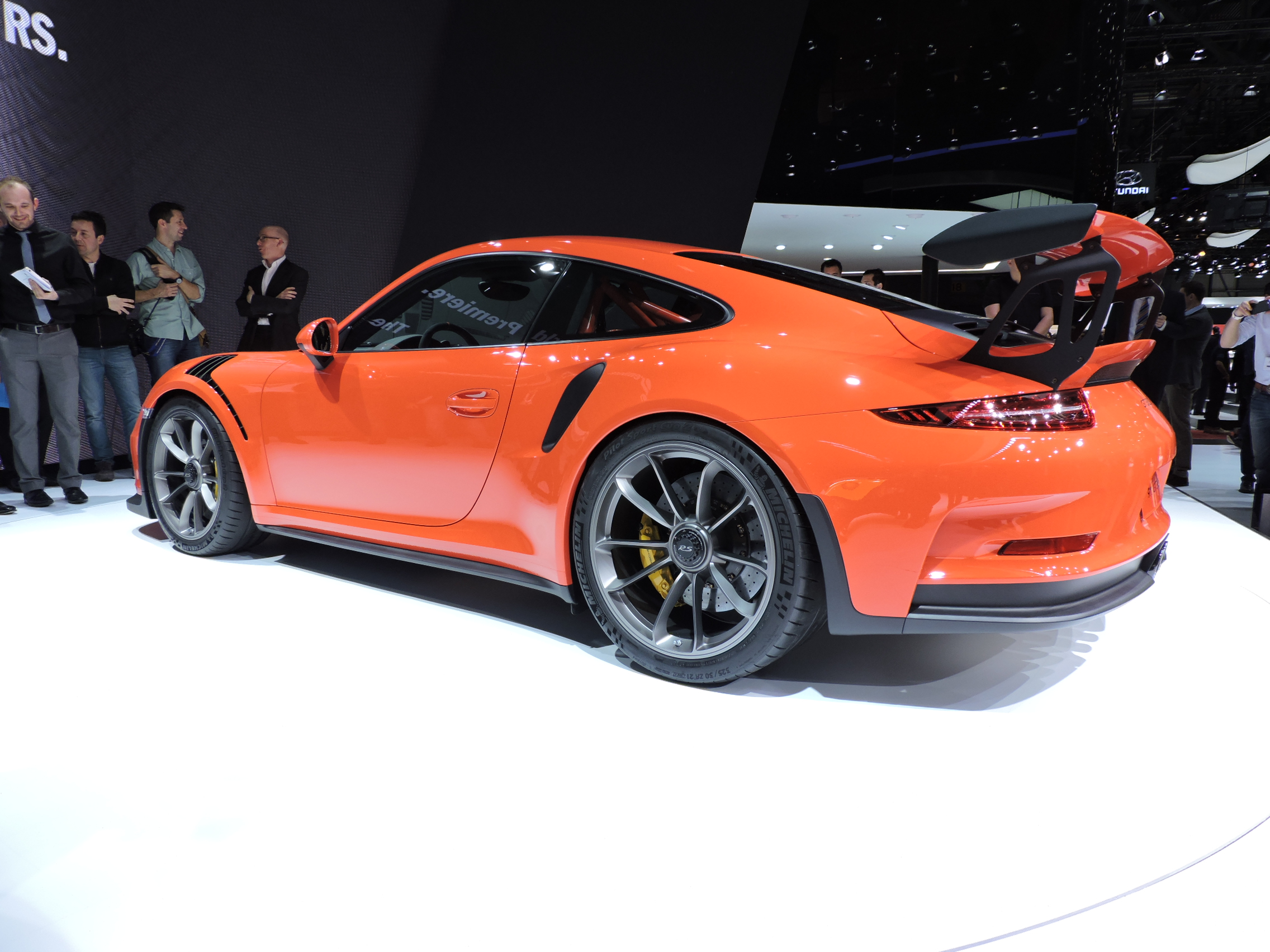 geneva 2015 2016 porsche 911 gt3 rs revealed the truth about cars. Black Bedroom Furniture Sets. Home Design Ideas