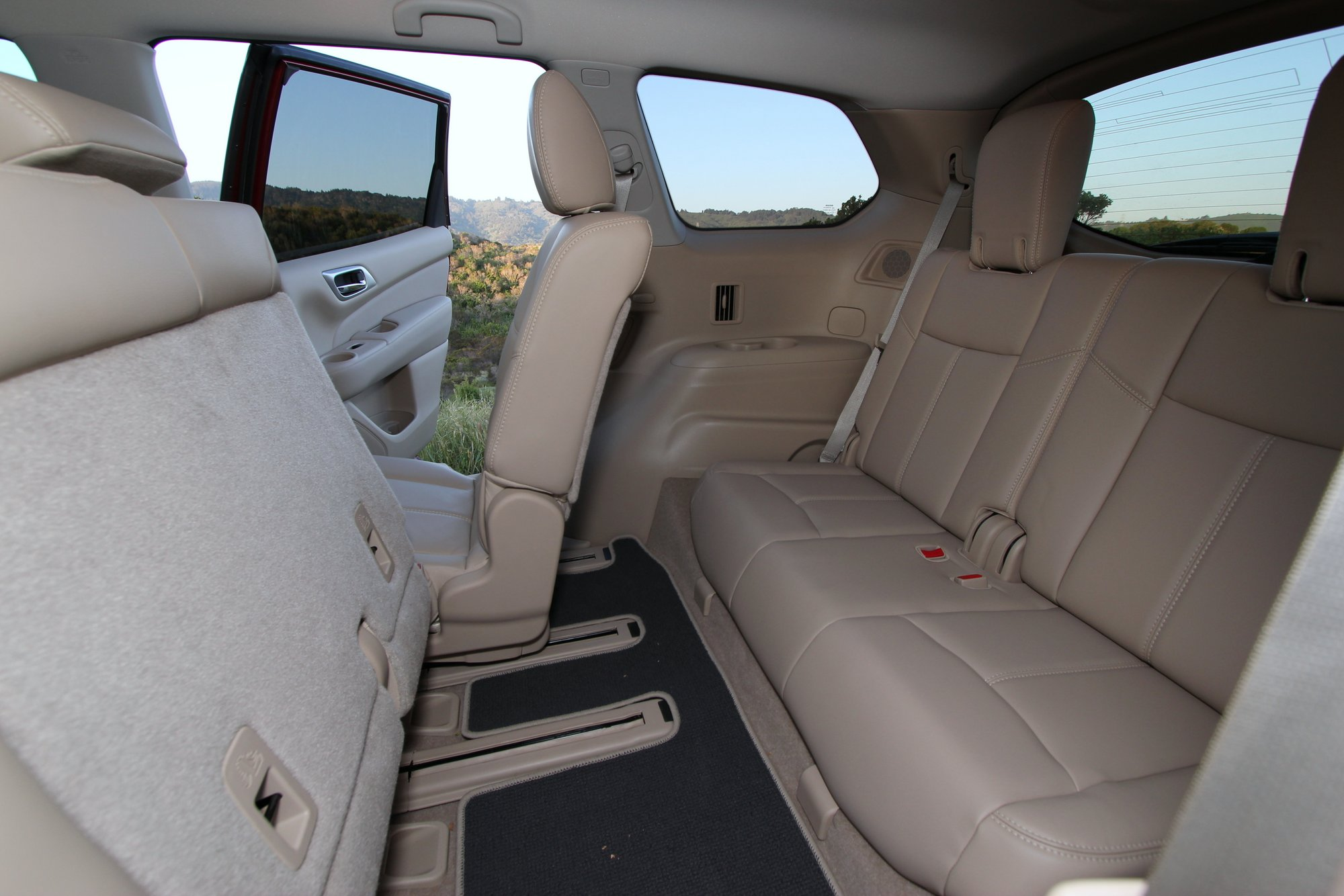 2015 nissan pathfinder 4x4 third row seat 001 the truth about cars. Black Bedroom Furniture Sets. Home Design Ideas