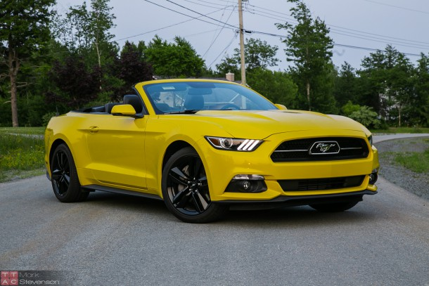 2015 Ford Mustang EcoBoost Convertible (10 of 11)
