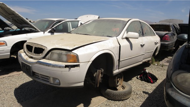 08 - 2000 Lincoln LS Down On the Junkyard - photo by Murilee Martin