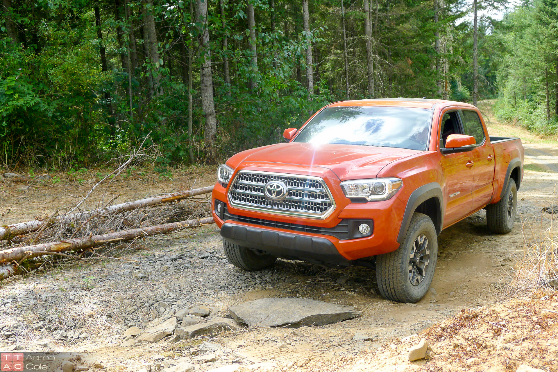 2016 toyota tacoma review full size silent assassin. Black Bedroom Furniture Sets. Home Design Ideas