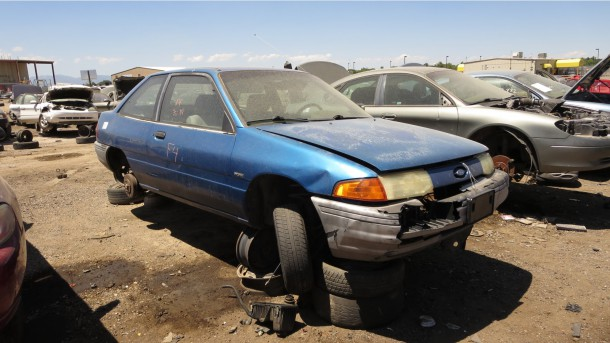 1995 ford escort throws belt join. All
