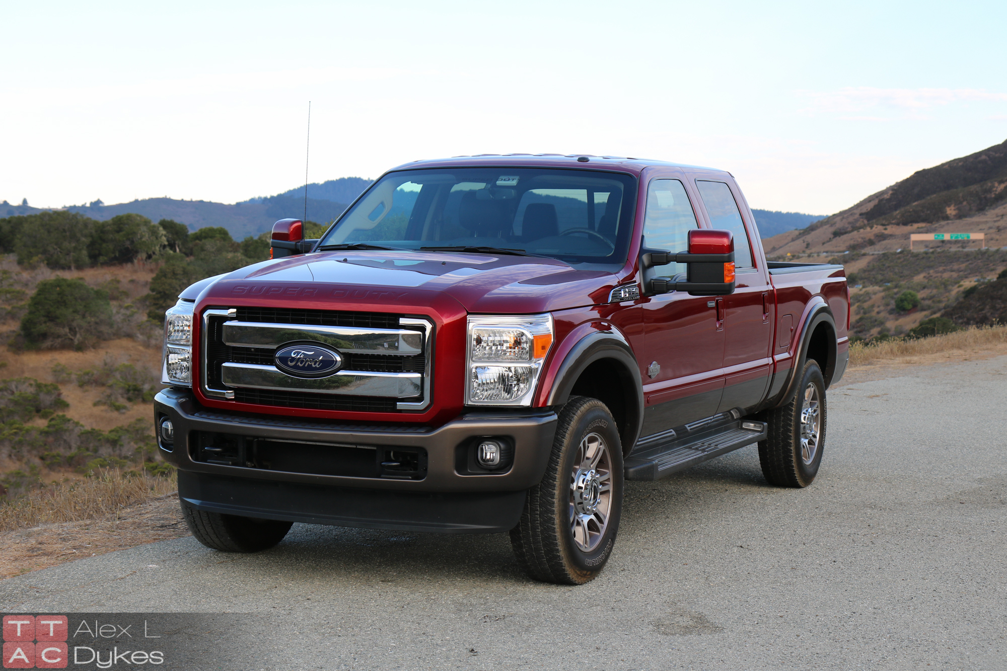 2015 ford f 350 super duty review hauling above the limit w video. Black Bedroom Furniture Sets. Home Design Ideas