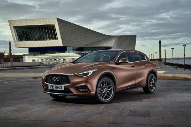 infiniti-q30-front-three-quarter-01