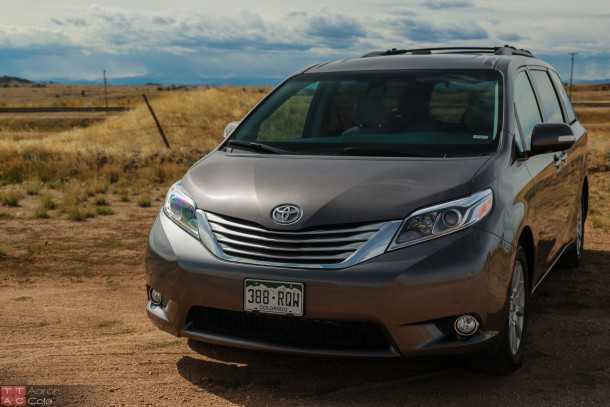 2015ToyotaSienna_(2_of_3)