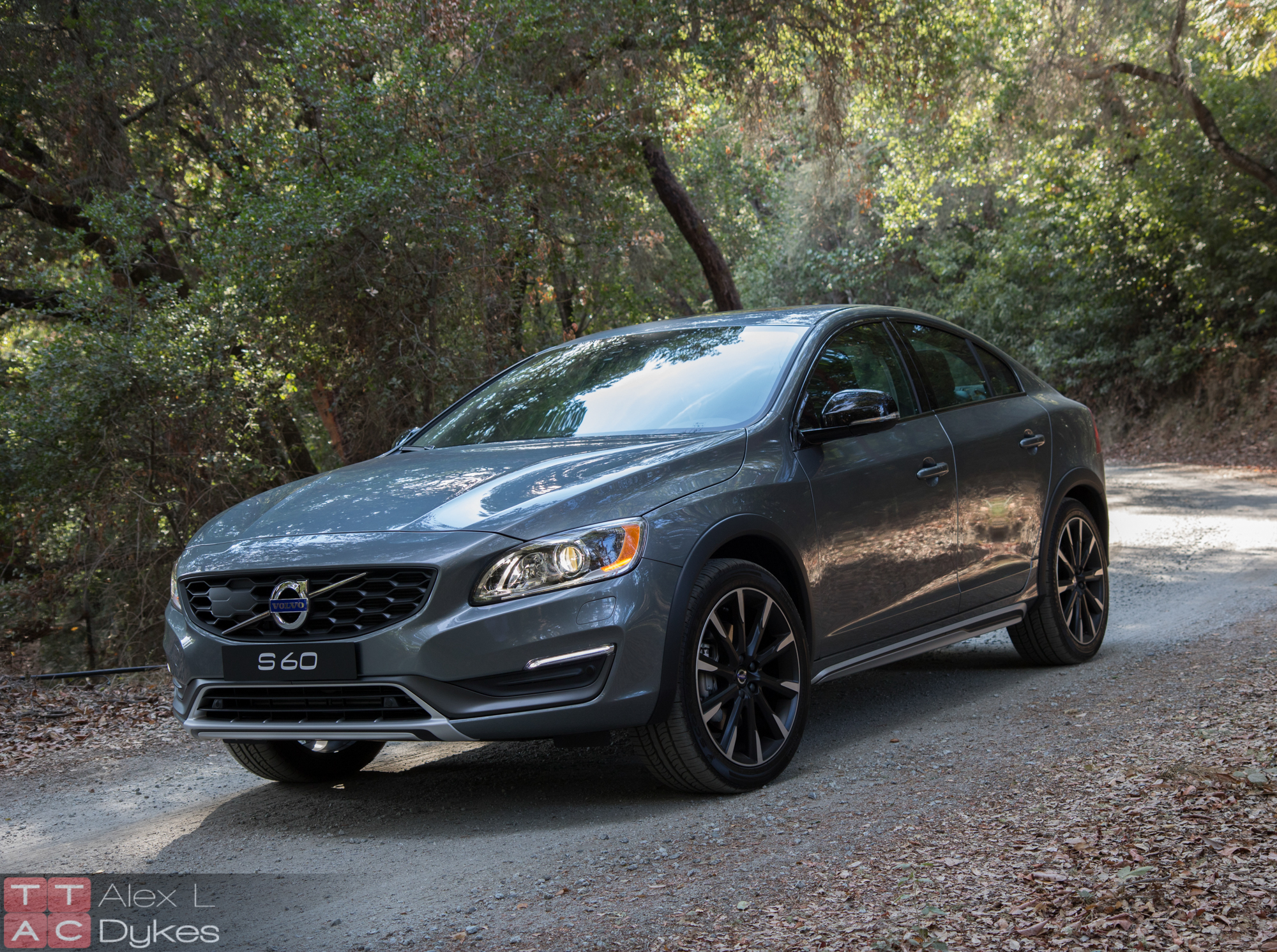 2016 Volvo S60 CC Review – The Sport Utility Sedan? [Video]