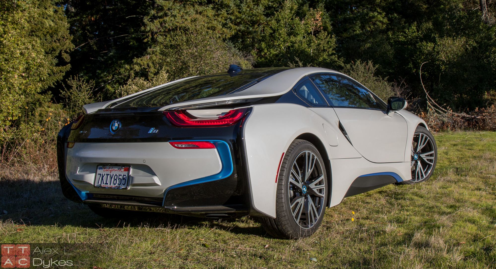 2016 bmw i8 hybrid exterior front the truth about cars. Black Bedroom Furniture Sets. Home Design Ideas