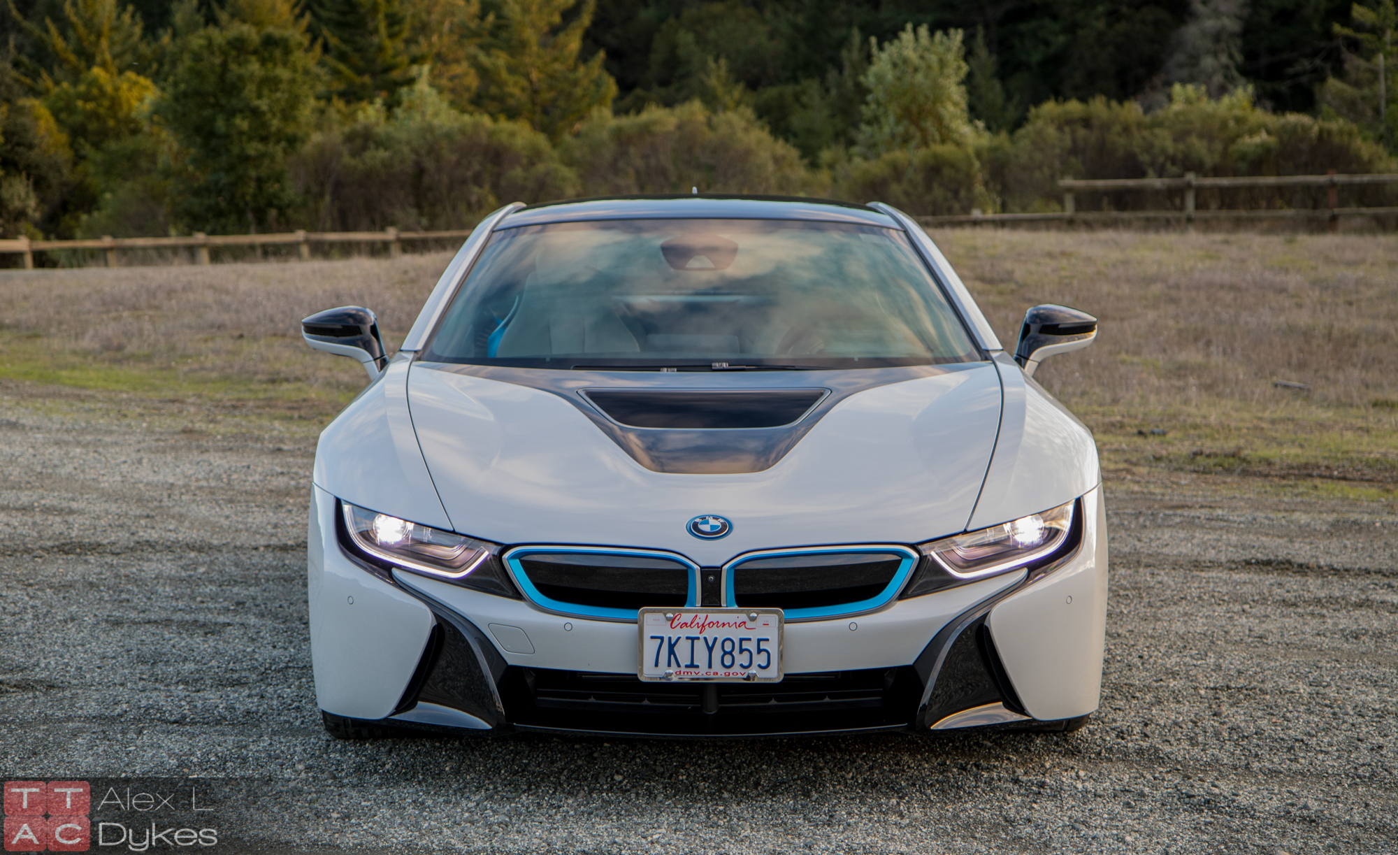 2016 bmw i8 review the affordable plug in supercar. Black Bedroom Furniture Sets. Home Design Ideas