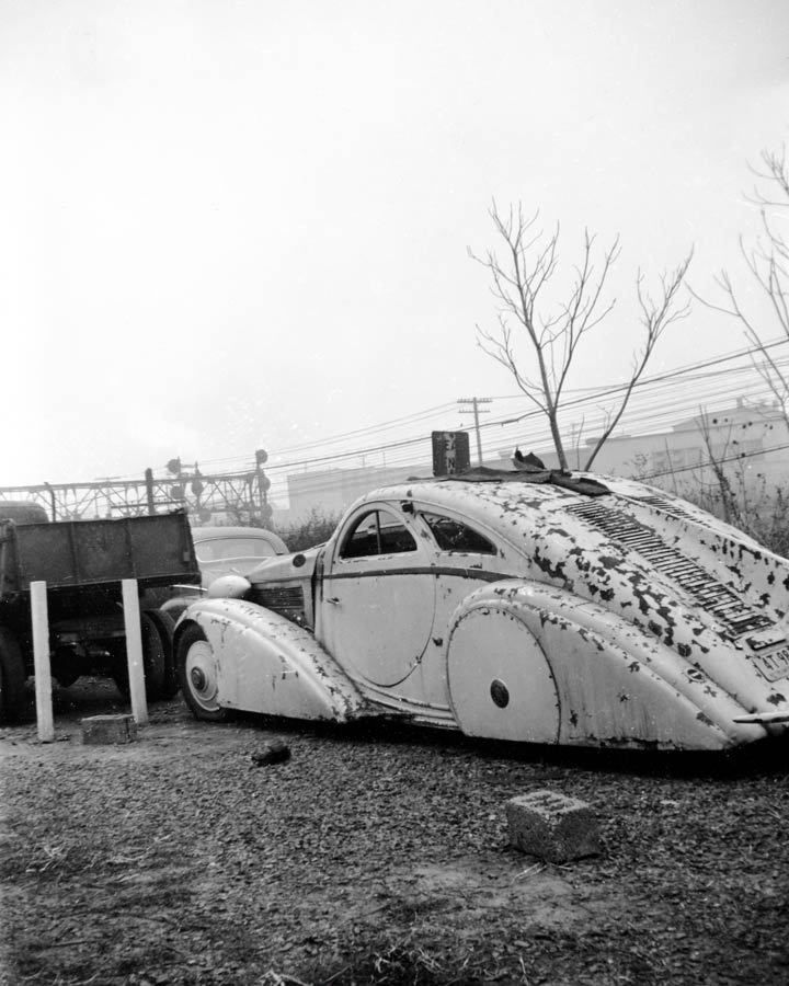 Round Door Rolls Royce in New Jersey Junkyard, 1950s, Image: Nick Morozov/Flickr