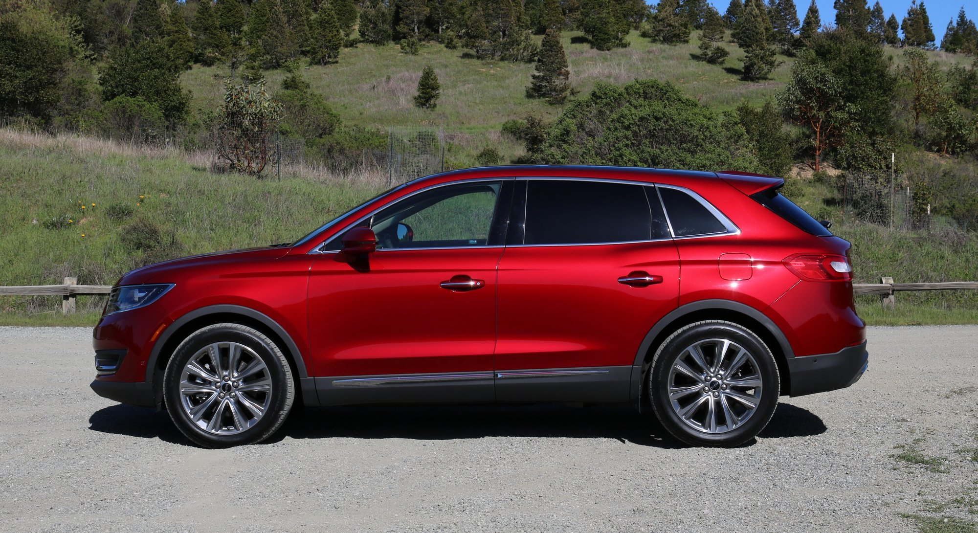 http://www.thetruthaboutcars.com/wp-content/uploads/2016/04/2016-Lincoln-MKX-EcoBoost-Exterior-002.jpg