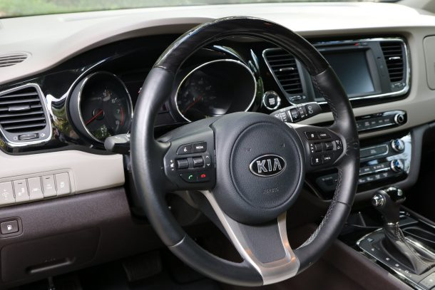2016 Kia Sedona Steering Wheel, Image: © 2016 Alex L. Dykes/The Truth About Cars